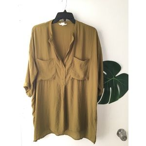 H&M~ Cute sheer blouse